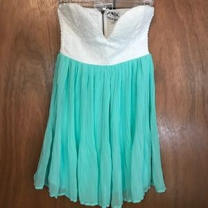 NWT Sabo Skirt teal/white strapless dress. Size 10